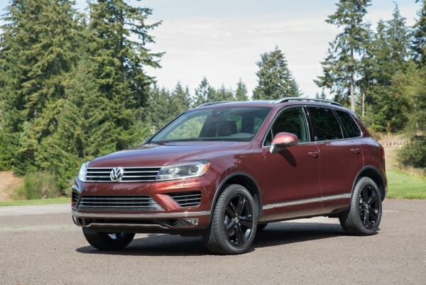 2017 Volkswagen Touareg - left side view