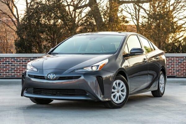 2019 Toyota Prius - left front view