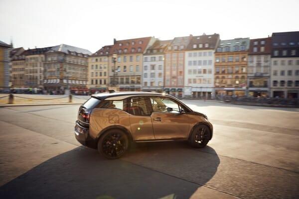2019 BMW i3 passenger side view