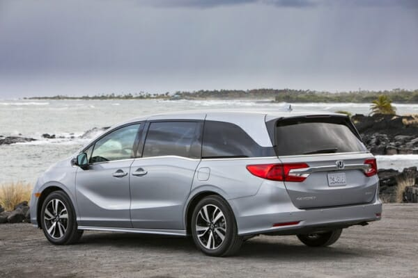 2019 Honda Odyssey drivers side view