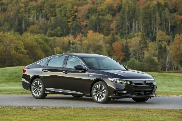 2019 Honda Accord Hybrid passenger side view