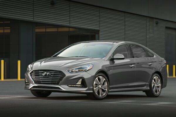 2019 Hyundai Sonata Hybrid front view