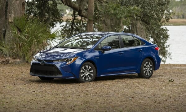 2020 Toyota Corolla Hybrid left front view